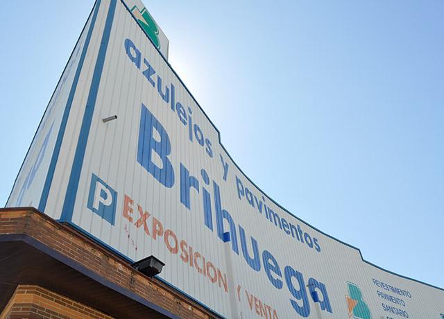 Las tiendas Azulejos Brihuega ya están abiertas