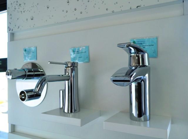 Reformas de baño: inodoros suspendidos y grifos inteligentes
