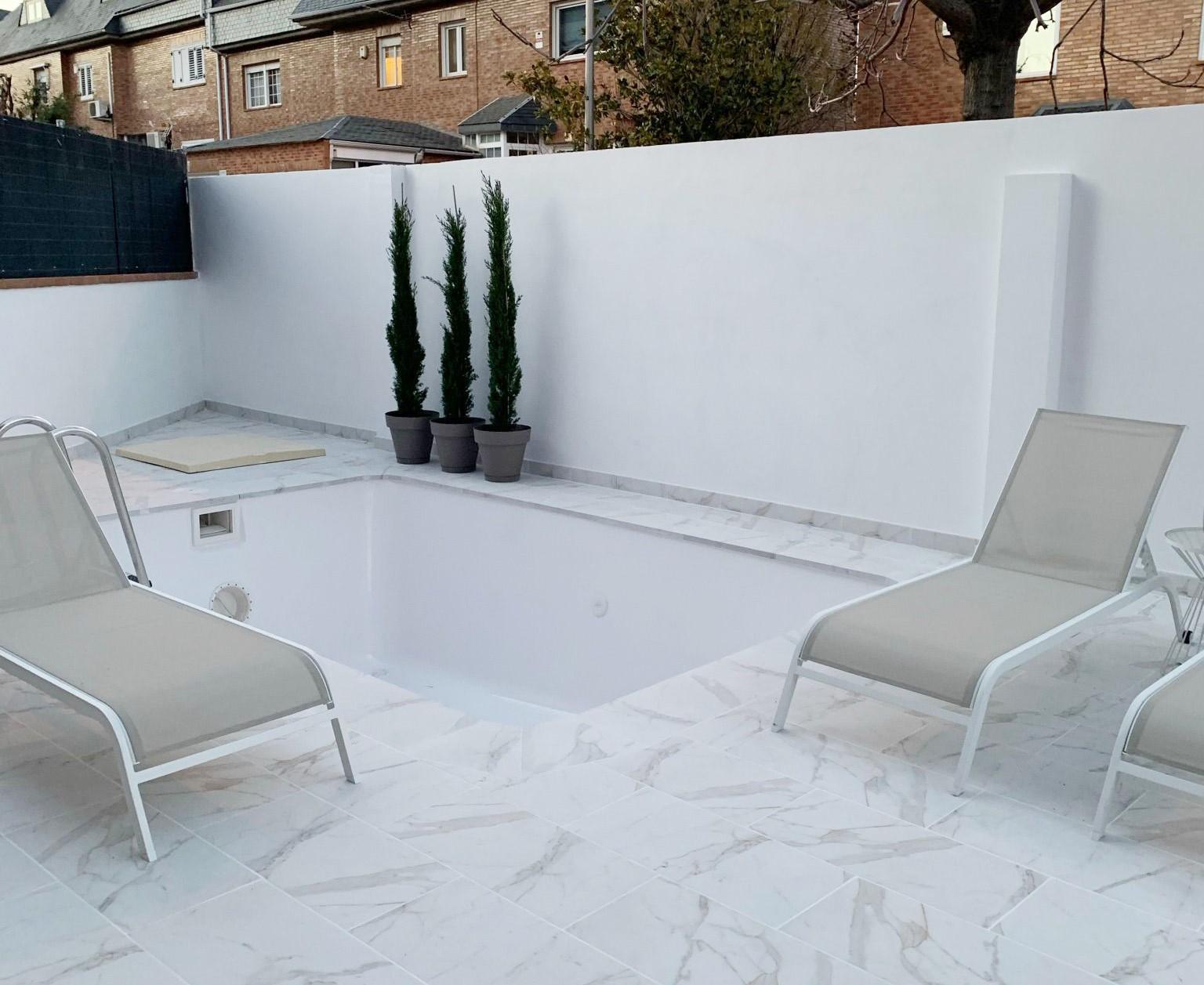 terraza con suelo de mármol